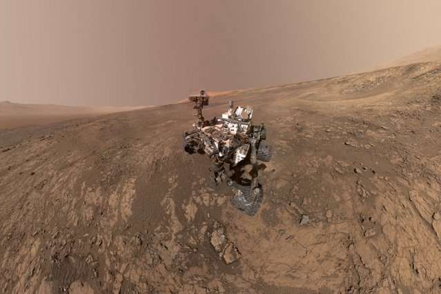 Mars mega-storm threatens Nasa rover after 14-year mission